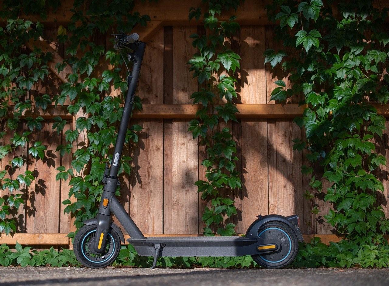 Noa Khamallah explique pourquoi la trottinette électrique est un bon mode de transport