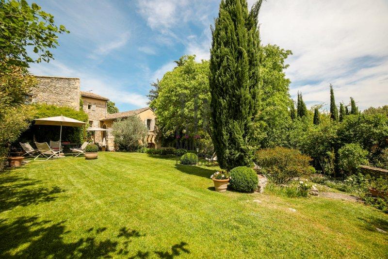 Immobilier de luxe : achat et vente à Saint-Rémy-de-Provence